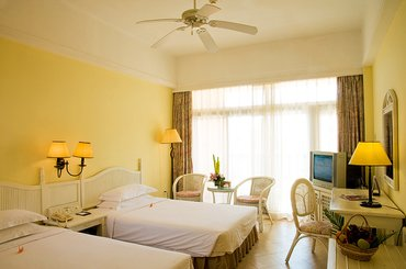 Китай Golden Phoenix Sea View Hotel