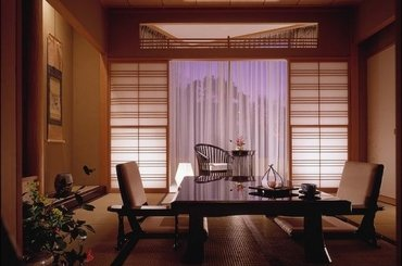 Япония Four Seasons Tokyo at Chinzan-so