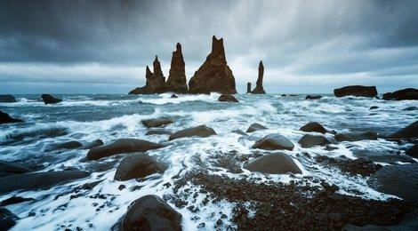 Пальцы Тролля. Черный пляж  Рейнисфияра, 86