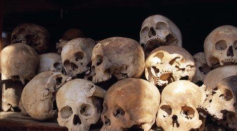 Музей геноцида Тоул Сленг, 83