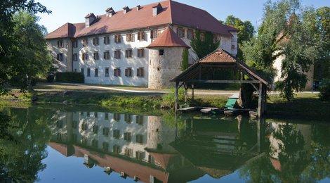 Замок Оточец, 84