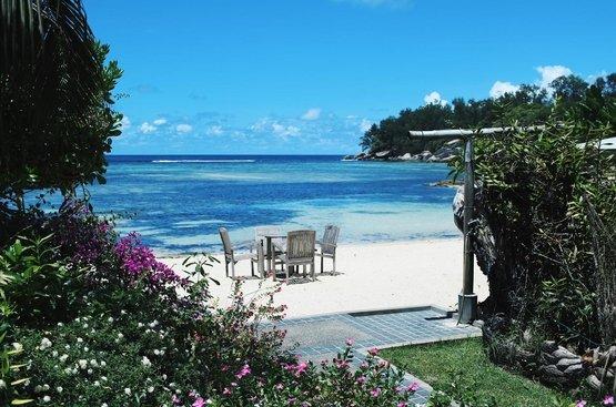Сейшелы Crown Beach Hotel