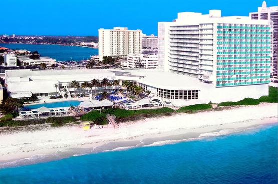 США Deauville Beach Resort