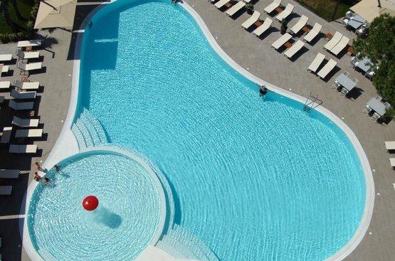 Албания Hotel Supreme