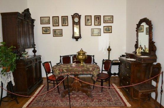 УКРАИНА: Дворцы Черниговщины, 109