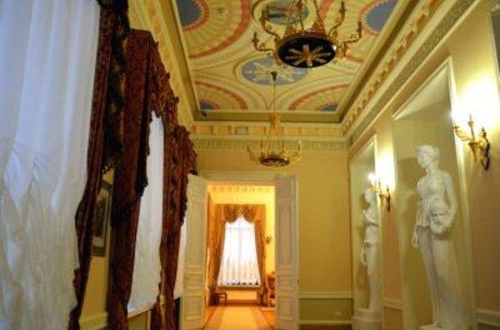 УКРАИНА: Дворцы Черниговщины, 106