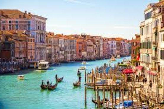 Италия: PIAZZA VENEZIA, 90