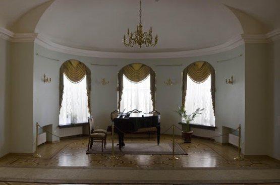 УКРАИНА: Дворцы Черниговщины, 102