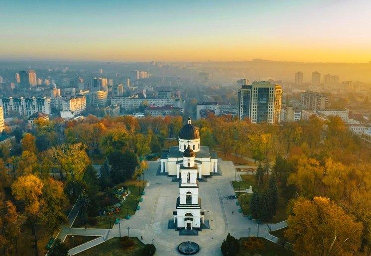 Уикенд в Молдове